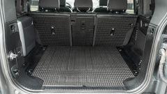 Land Rover Defender 110 P400: da fuoristrada a SUV, ma è sempre lei - Immagine: 35