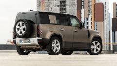 Land Rover Defender 110 P400: da fuoristrada a SUV, ma è sempre lei - Immagine: 45