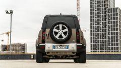Land Rover Defender 110 P400: da fuoristrada a SUV, ma è sempre lei - Immagine: 46
