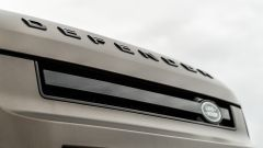 Land Rover Defender 110 P400: da fuoristrada a SUV, ma è sempre lei - Immagine: 52