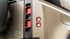 Land Rover Defender 110 P400: da fuoristrada a SUV, ma è sempre lei - Immagine: 57