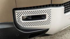 Land Rover Defender 110 P400: da fuoristrada a SUV, ma è sempre lei - Immagine: 59