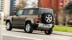 Land Rover Defender 110 P400: da fuoristrada a SUV, ma è sempre lei - Immagine: 71
