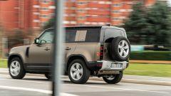 Land Rover Defender 110 P400, motore 3 litri V6 benzina mild hybrid