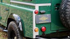 Land Rover Defender 110: particolare del gruppo ottico posteriore