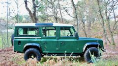 Land Rover Defender 110: vista laterale