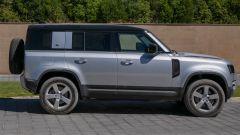 Land Rover Defender 110, vista laterale