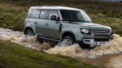Land Rover Defender 130, in arrivo la variante a 8 posti