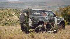 Land Rover Defender 2019: al fianco dei guardaparco kenioti