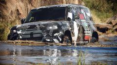 Land Rover Defender 2019: guado impegnativo