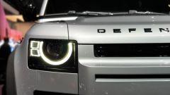 Land Rover Defender 2020, fari anteriori