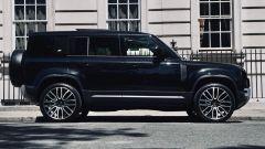 Land Rover Defender 2020 in fibra di carbonio by Kahn Design vista di lato