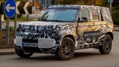 Land Rover Defender 2020, foto spia del modello definitivo - Immagine: 2