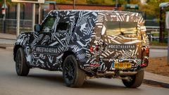 Land Rover Defender 2020, foto spia del modello definitivo - Immagine: 3