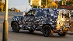 Land Rover Defender 2020, foto spia del modello definitivo - Immagine: 7