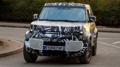 Land Rover Defender 2020, foto spia del modello definitivo - Immagine: 9