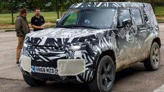 Land Rover Defender 2020: una fase del test drive con la stampa inglese