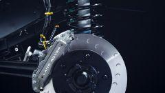 Land Rover Defender 90, le nuove sospensioni anteriori con i freni del Defender Handling Upgrade Kit