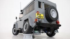 Land Rover Defender di Lego telecomandata posteriore