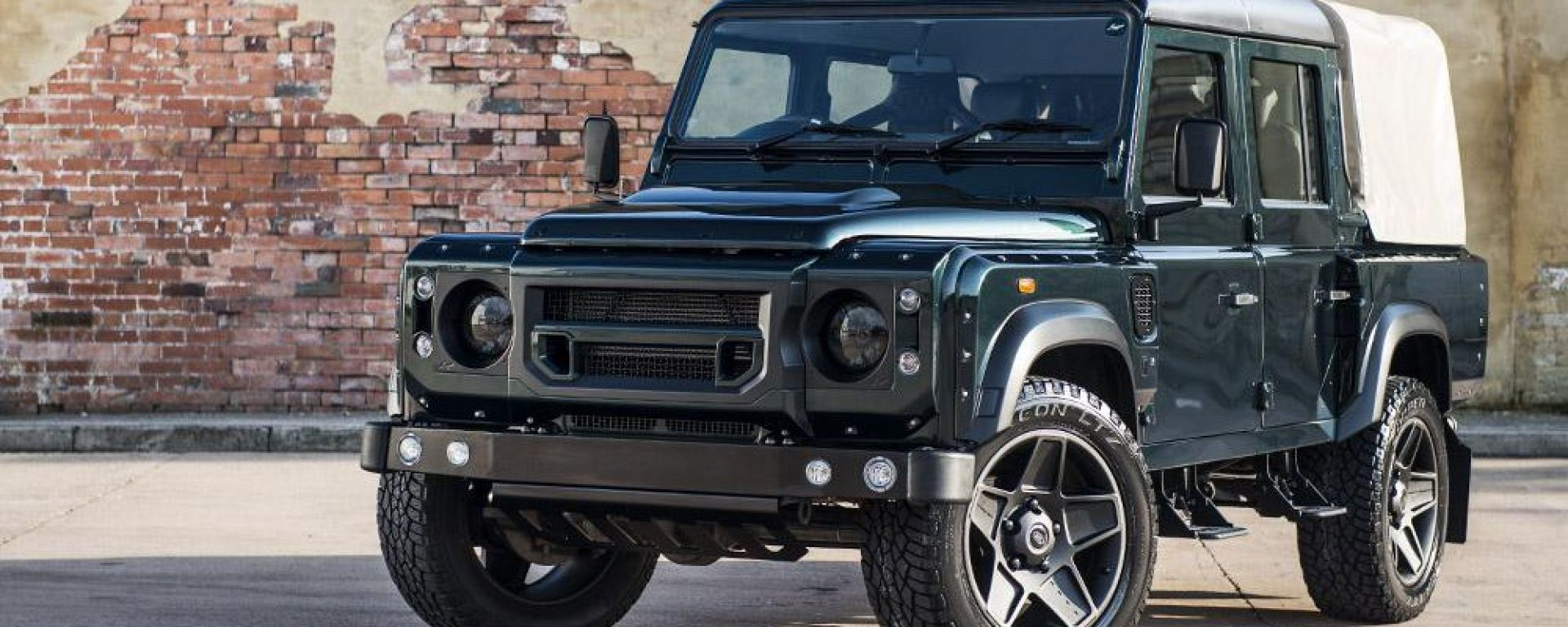 Land Rover Defender Double Cab Chelsea Wide Track by Kahn Design