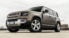 Land Rover Defender, nuova versione Range Rover style? Le voci