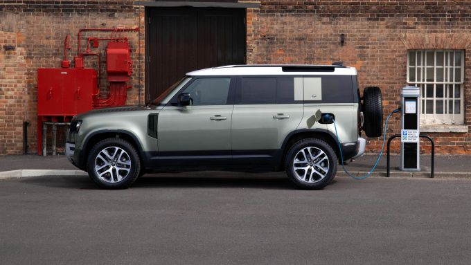Land Rover Defender PHEV: laterale