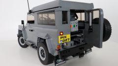 Land Rover Defender: se non puoi averla, fattela con i Lego - Immagine: 9