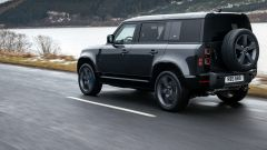 Nuova Land Rover Defender V8 2021: motore, uscita, prezzo. Video