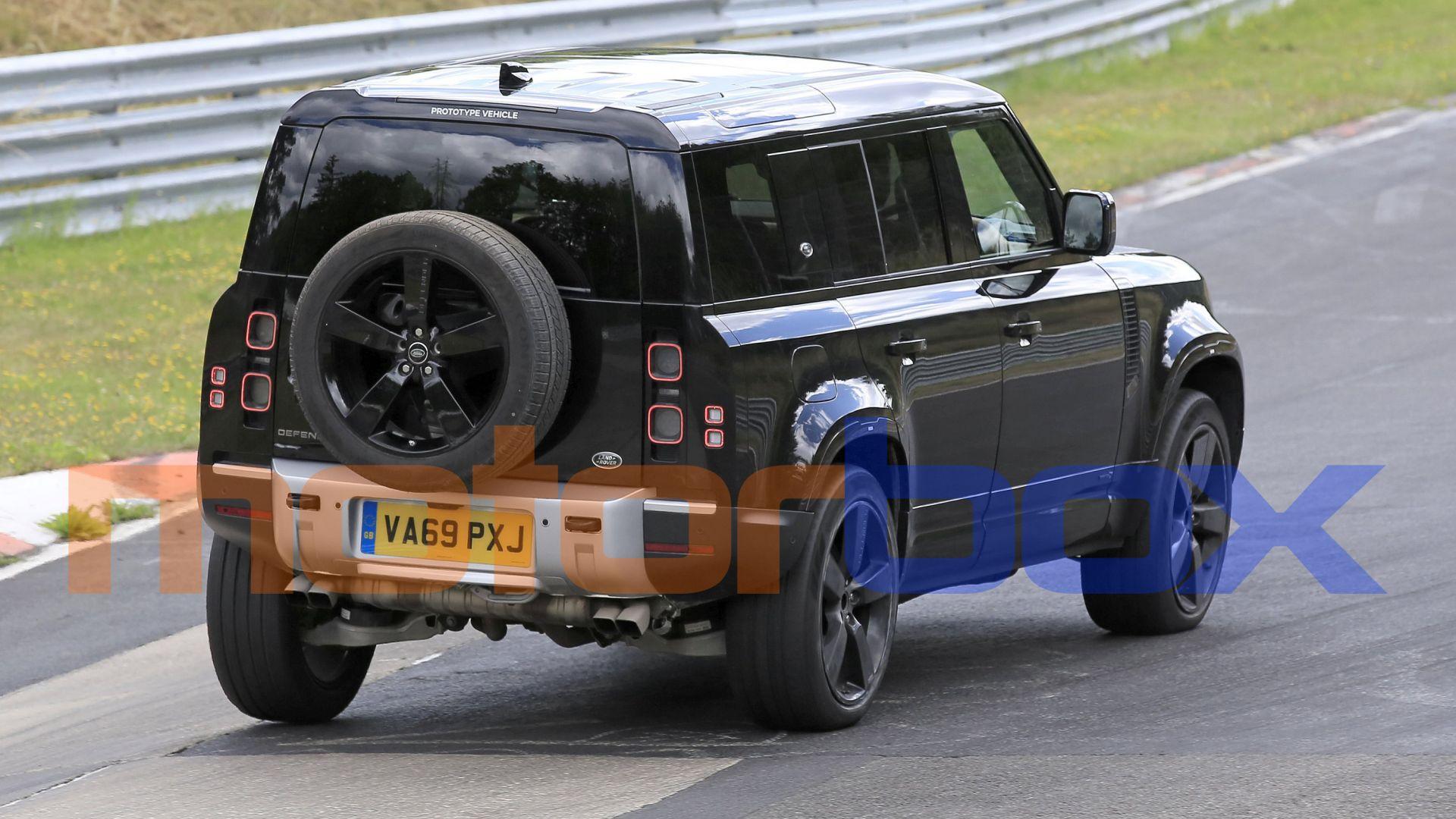 Nuova Land Rover Defender V8 2020: foto spia, motore ...