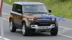 Land Rover Defender V8 2021, il frontale