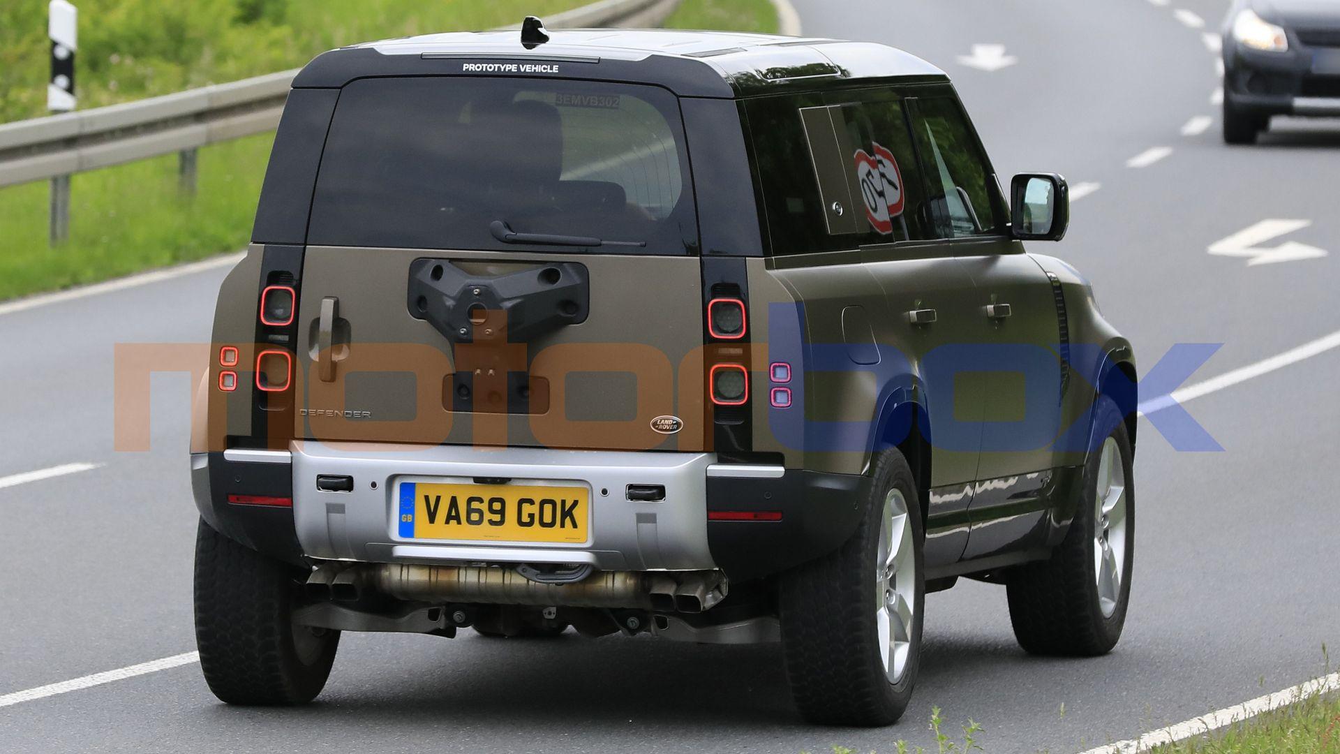 Nuova Land Rover Defender V8 2021: le foto in anteprima ...