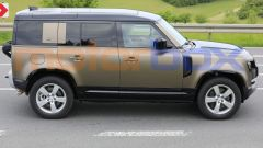 Land Rover Defender V8 2021, vista laterale