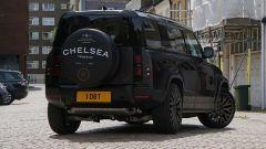 Land Rover Defender Vesuvius Edition: al posteriore doppio scarico