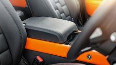 Land Rover Defender Vesuvius Edition: nero-arancio fuori, così anche nell'abitacolo