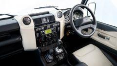 Land Rover Defender Works V8: i sedili Recaro sono rivestiti in pelle Windsor