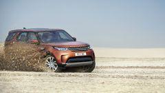 Land Rover Discovery 2017, a spasso sulla sabbia