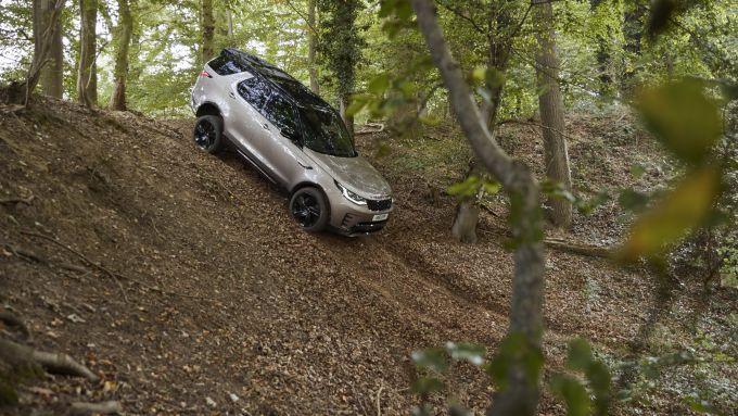 Land Rover Discovery 2020: regina del fuoristrada