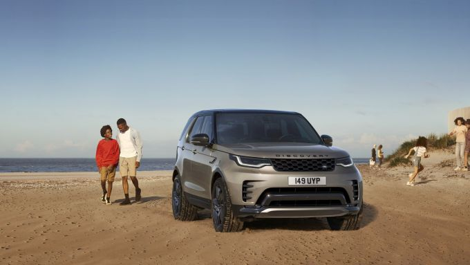 Land Rover Discovery 2020: visuale esterna