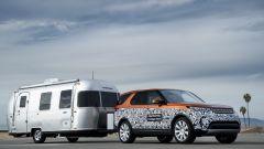 Land Rover Discovery: il Tow Assistant permette di gestire al meglio le manovre col rimorchio