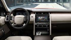 Land Rover Discovery, la plancia di comando