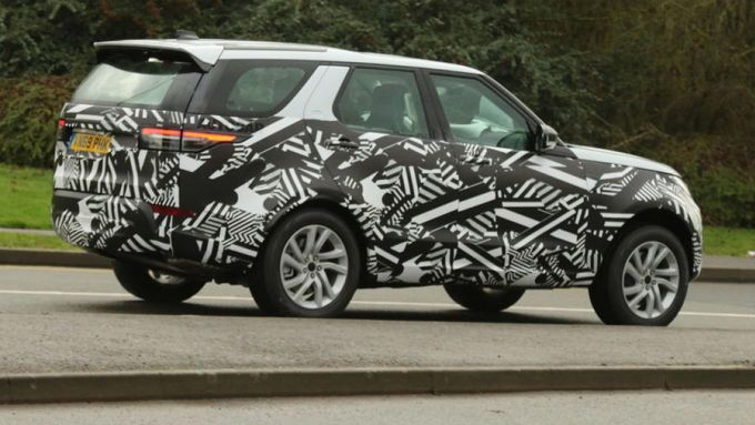Land Rover Discovery restyling, foto spia