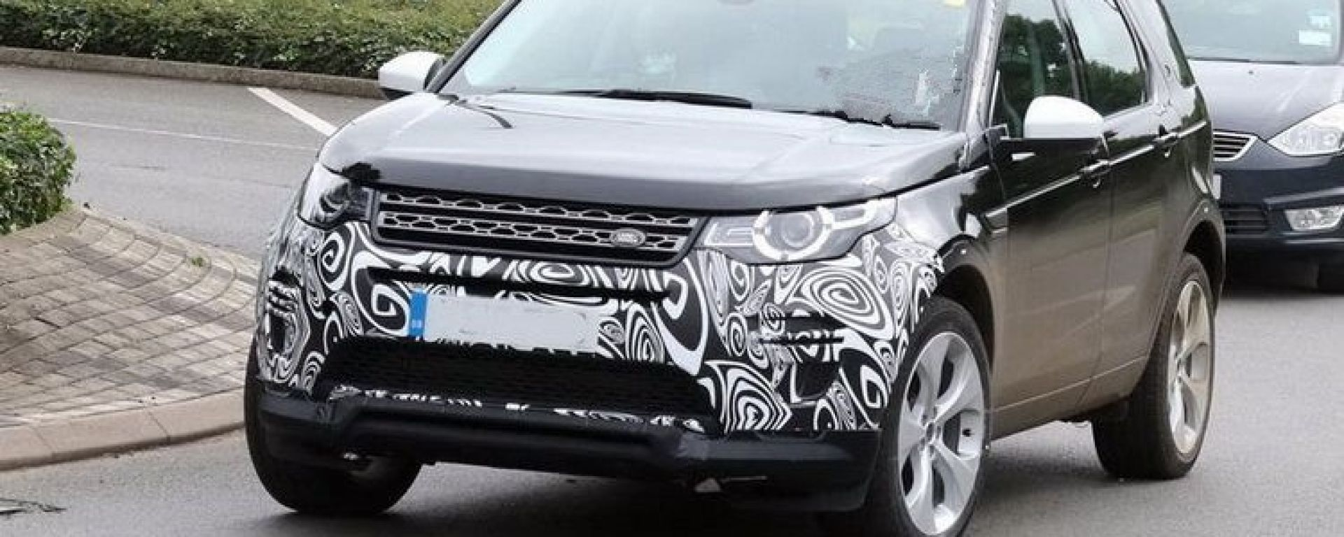 Land Rover nuova Discovery Sport 2018: restyling e ibrido ...