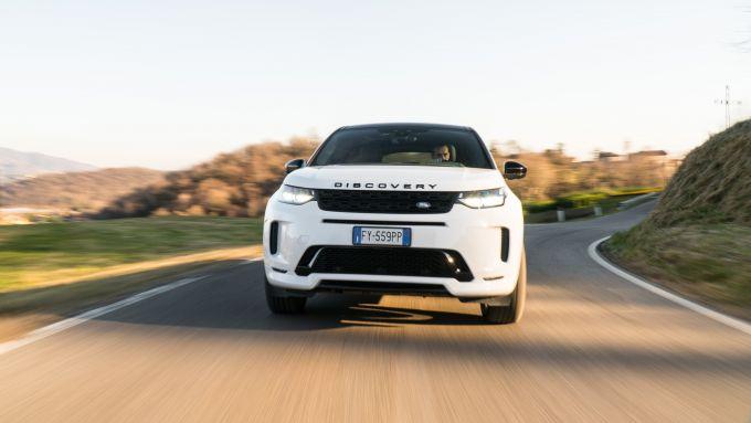 Land Rover Discovery Sport: fra le curve non è svelta come le rivali