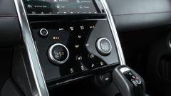 Land Rover Discovery Sport: i comandi commutabili per climatizzatore e modalità di trazione del Terrain Response 2