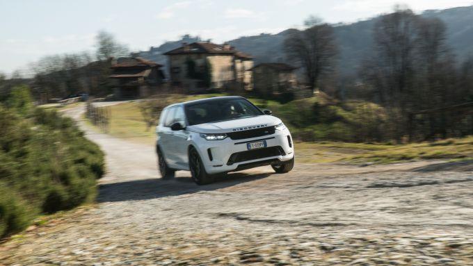 Land Rover Discovery Sport: in off-road va meglio di altri SUV dello stesso segmento