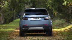 Land Rover Discovery Sport P300e, il posteriore