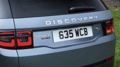 Land Rover Discovery Sport P300e, prezzi da 51.500 euro