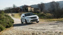 Land Rover Discovery Sport: si evolve senza fuori e dentro