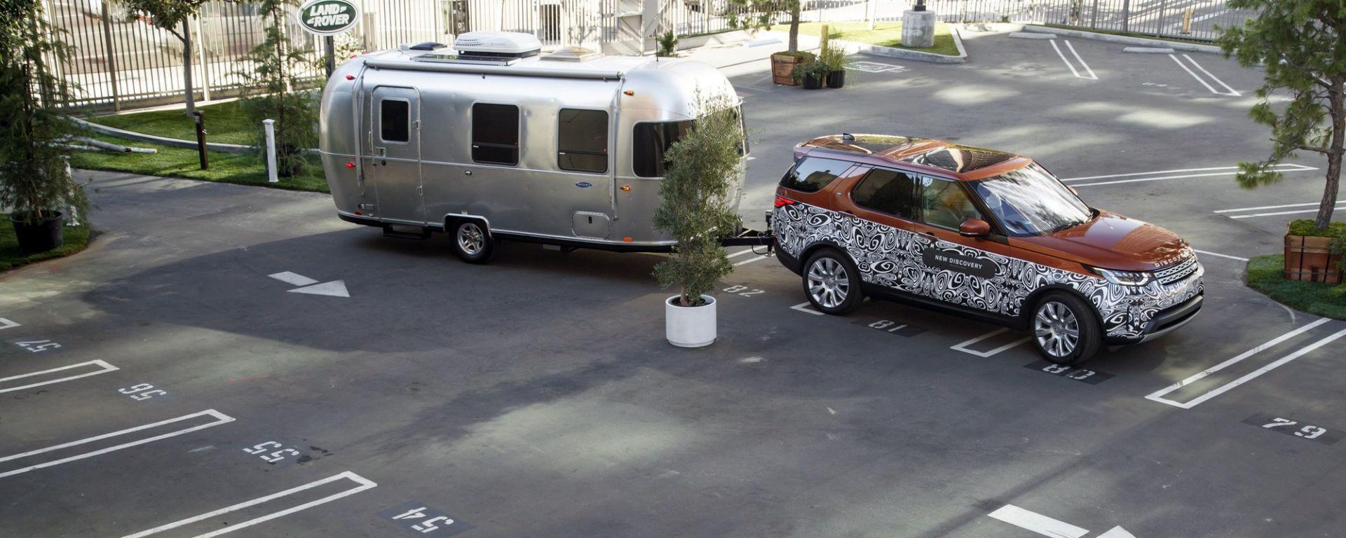 Land Rover Discovery: l'assistente per il rimorchio