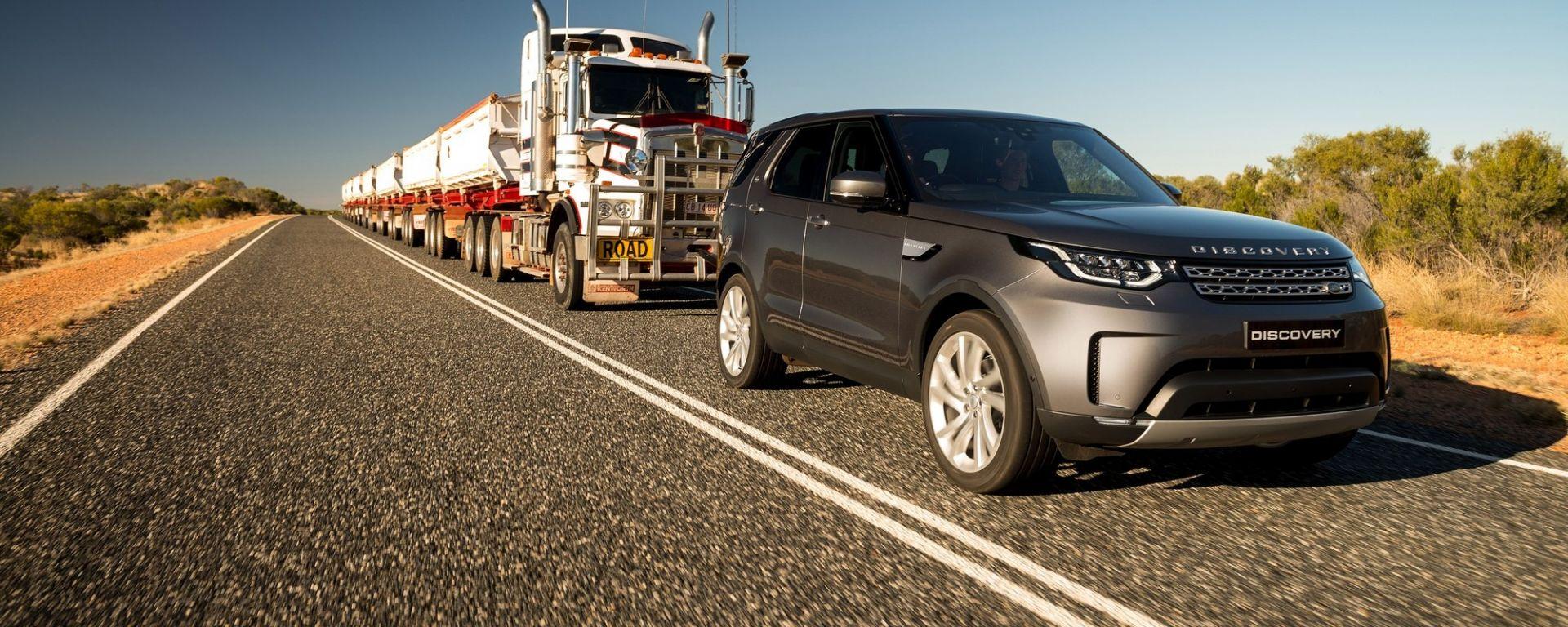 Land Rover Discovery, trascinato un autotreno da 103 tonnellate